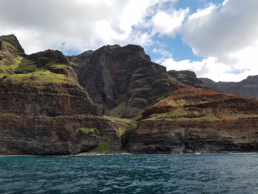 the nualolo valley from the water with makana charters