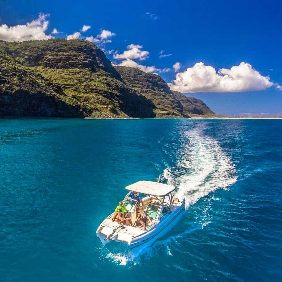 Makana Charters - Book a Private Tour